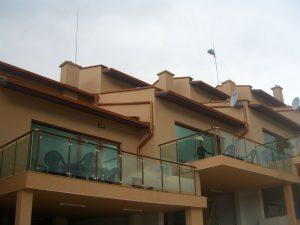 Еднофамилни къщи във ВИП комплекс Сърница